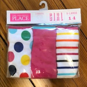 New in package- 3 girls briefs